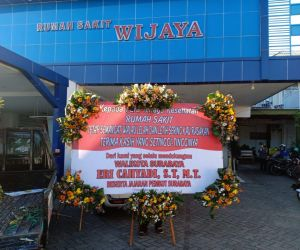 Support Nakes, Pemkot Kirim Karangan Bunga Ke Seluruh Puskesmas dan RS di Surabaya