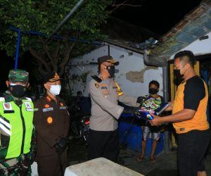 Kapolres Madiun Kota bersama Forkopimda Patroli Skala Besar dan Bagi Sembako