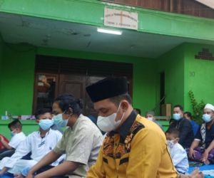 Rasa Toleransi dan Saling Menghargai, Sholat Ied Digelar di Halaman Gereja