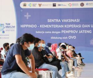 KemenKop UKM Gencarkan Vaksinasi Pelaku UMKM ke Berbagai Daerah