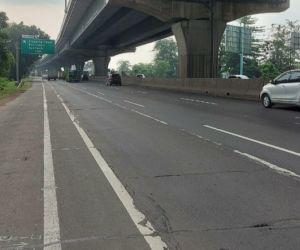 Ada Pekerjaan Rekonstruksi Rigid Pavement di Km 38+750 Ruas Tol Jakarta-Cikampek