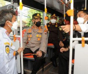 Eri Luncurkan Rute Baru Bus Suroboyo Bisa Bayar Pakai Uang Elektronik